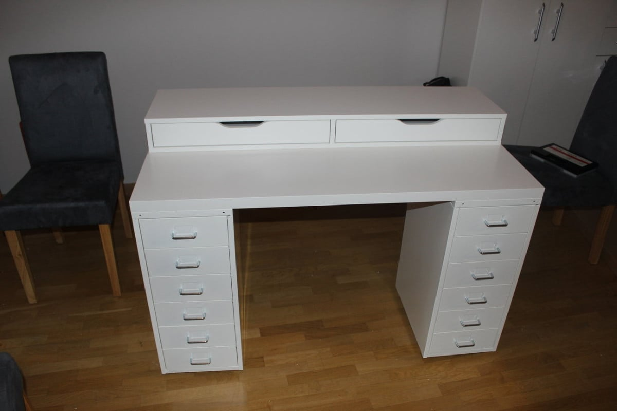 An affordable ikea dressing table makeup vanity ikea for Vanity table with drawers no mirror