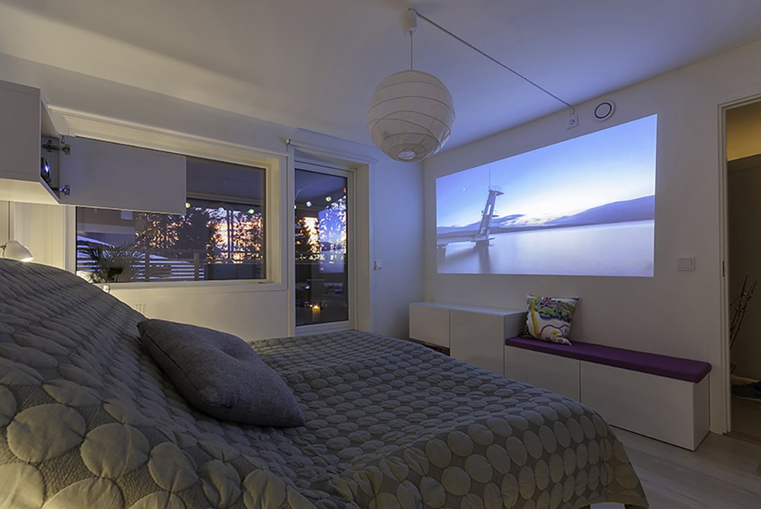 Home movie night projector