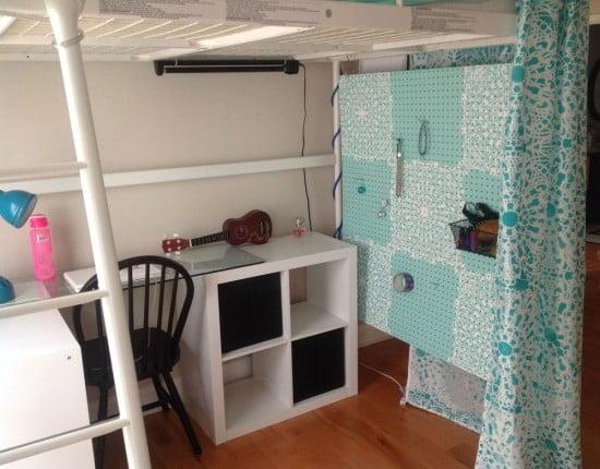 Stencilled Organizer Dressing Area under the TROMSO loft bed