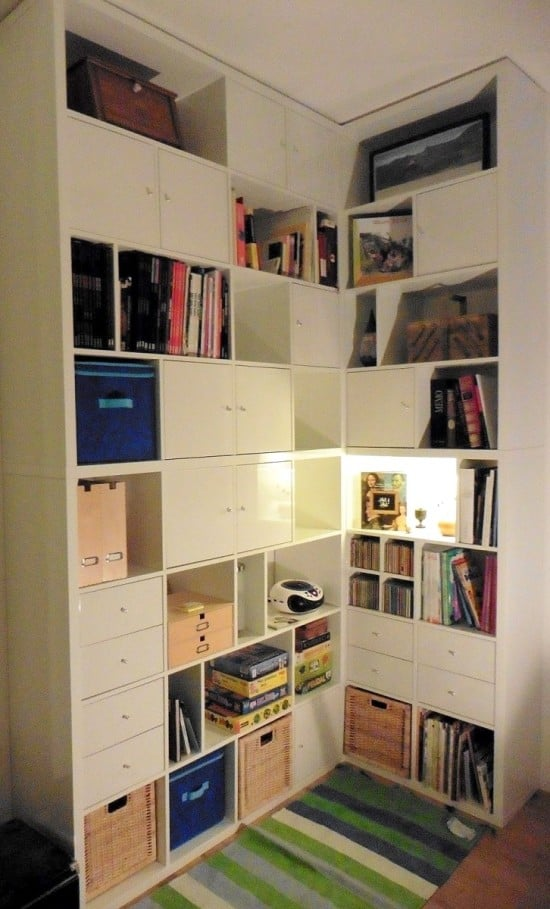 A made to measure kallax corner bookcase ikea hackers for Kallax ideen wohnzimmer