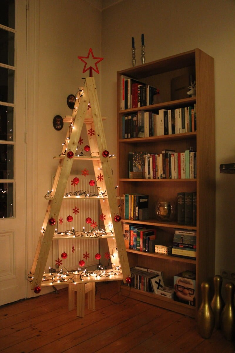 Simple Christmas Tree Decor