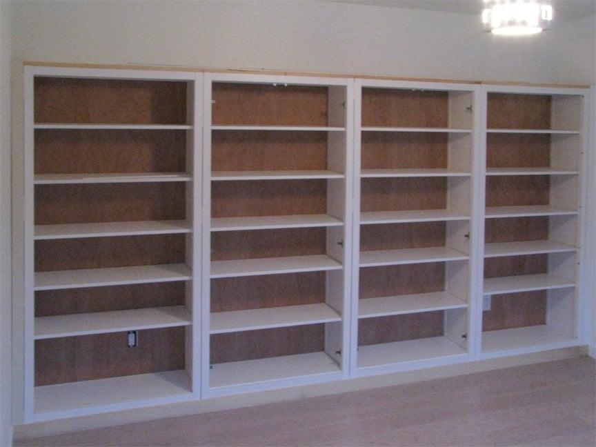 Hemnes bookshelves built in hack ikea hackers ikea for Ikea hemnes hack