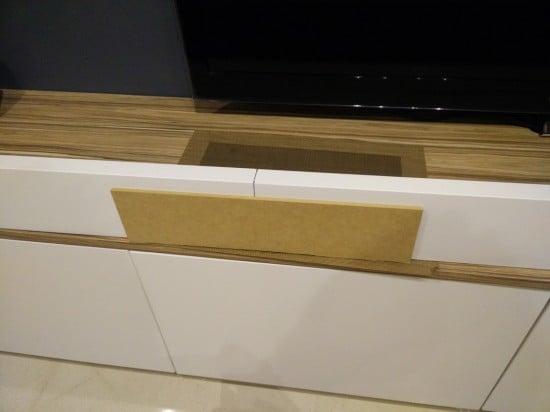 Aligning two IKEA MOSSLANDA into one long ledge