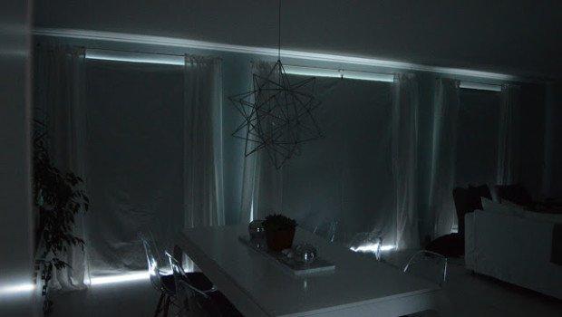 heim-elich.blogspot.de Verdunklung Wohnzimmer mit Verdunklungsstoff mit Klemmen an den Gardinenstangen