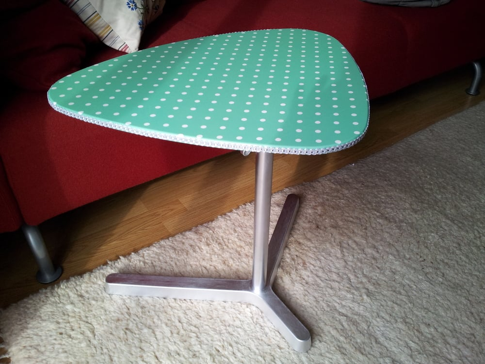 laptop stand to 50 39 s retro coffee table ikea hackers ikea hackers. Black Bedroom Furniture Sets. Home Design Ideas