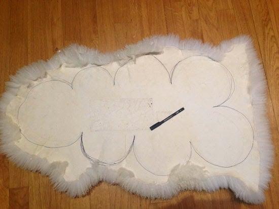 Outline the cloud shape