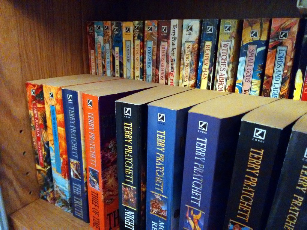 Billy Glis Bo Tiered Bookshelf