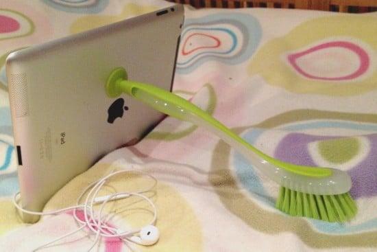 Plastis iPad stand