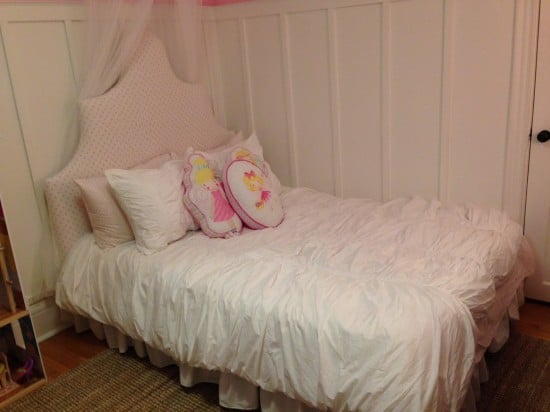 From plain IKEA Fjellse bed to dreamy princess bed!