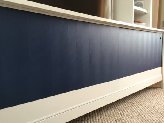 TOMNAS TV unit with sliding doors