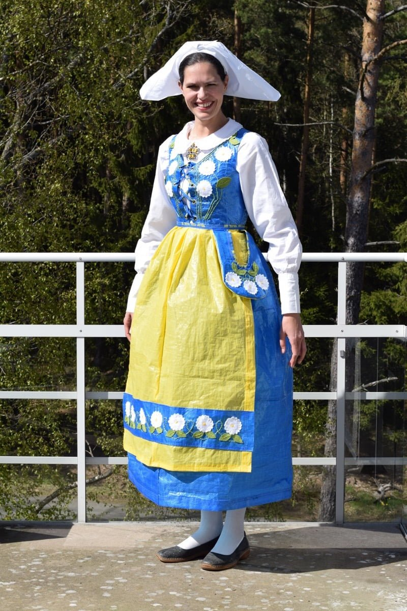 Swedish Folk Costume From 5 Ikea Bags Ikea Hackers