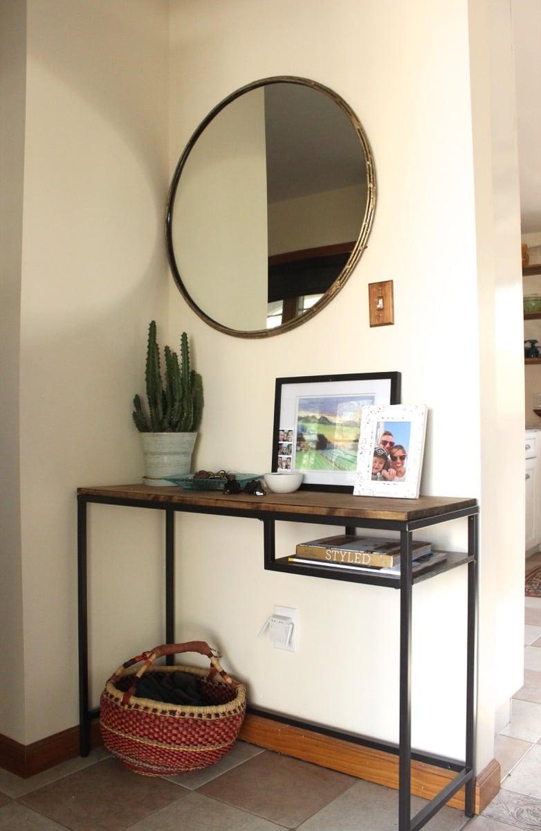 vittsj as entryway table and vanity ikea hackers ikea hackers. Black Bedroom Furniture Sets. Home Design Ideas