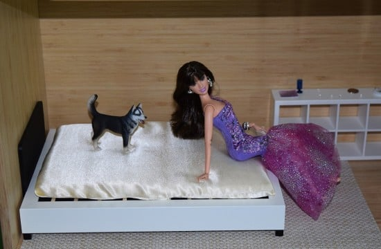 Easy non-pink bed for fashion dolls like Barbie, Monster high, small BJD's and others