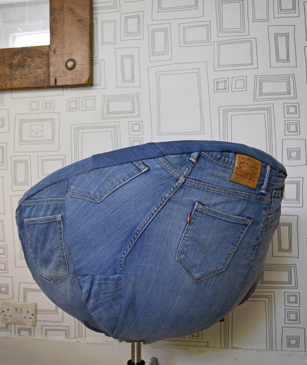 Great transformation of an ikea skruvsta chair using old for Old denim