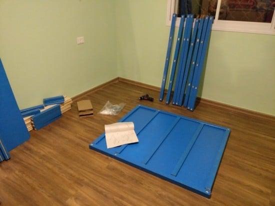 Assemble the KURA beds