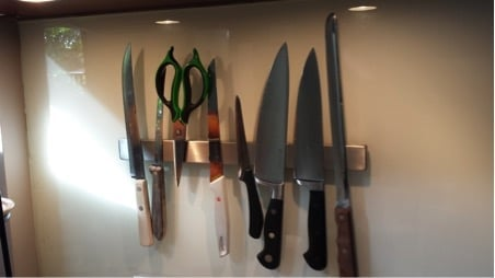 How to mount the GRUNDTAL magnetic knife rack on glass splashback