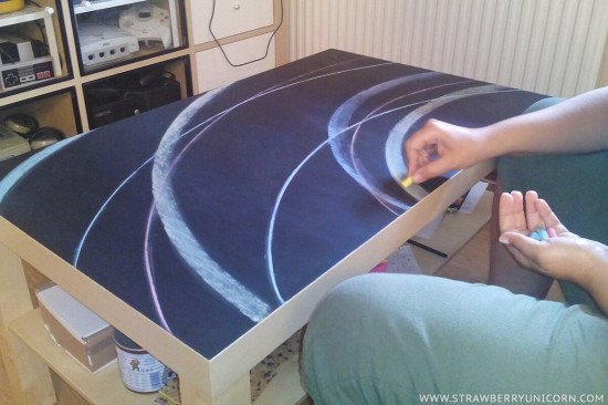 How to make a fun chalkboard table from the IKEA Lack coffee table
