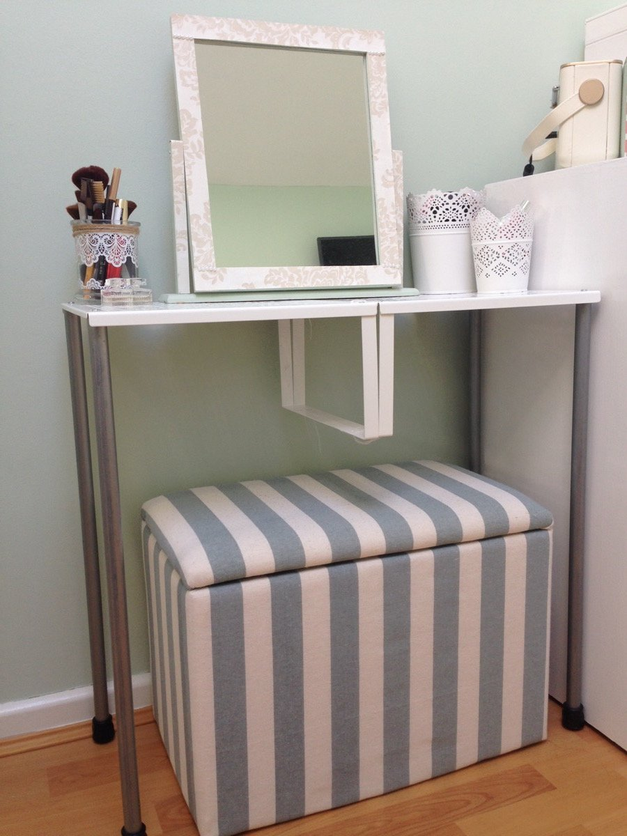 Dressing De Coin Ikea turn variera shelf inserts into a gorgeous dressing table
