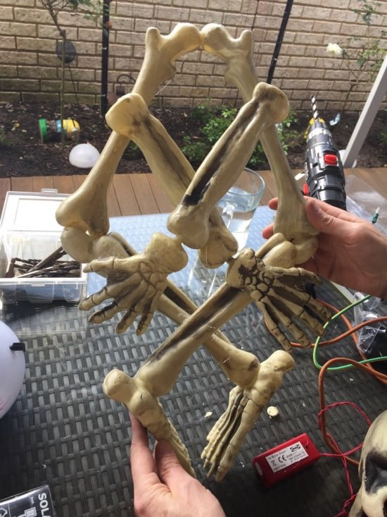 Glue the skeleton together to form a wreath
