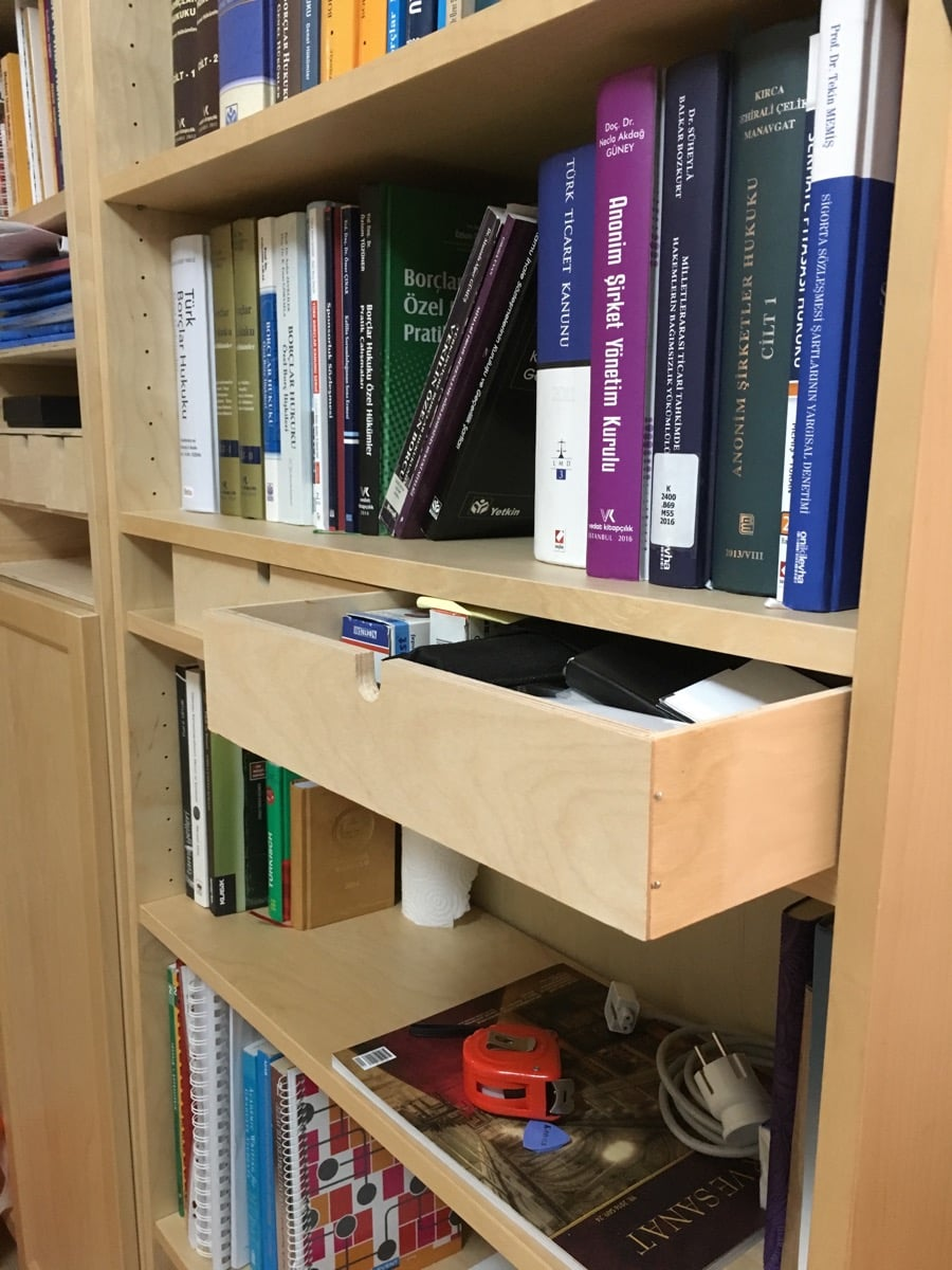 Give billy bookshelf easy drawers with moppe ikea for Ikea bookcase with drawers