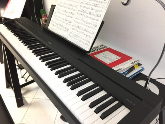 Oddvald piano stand
