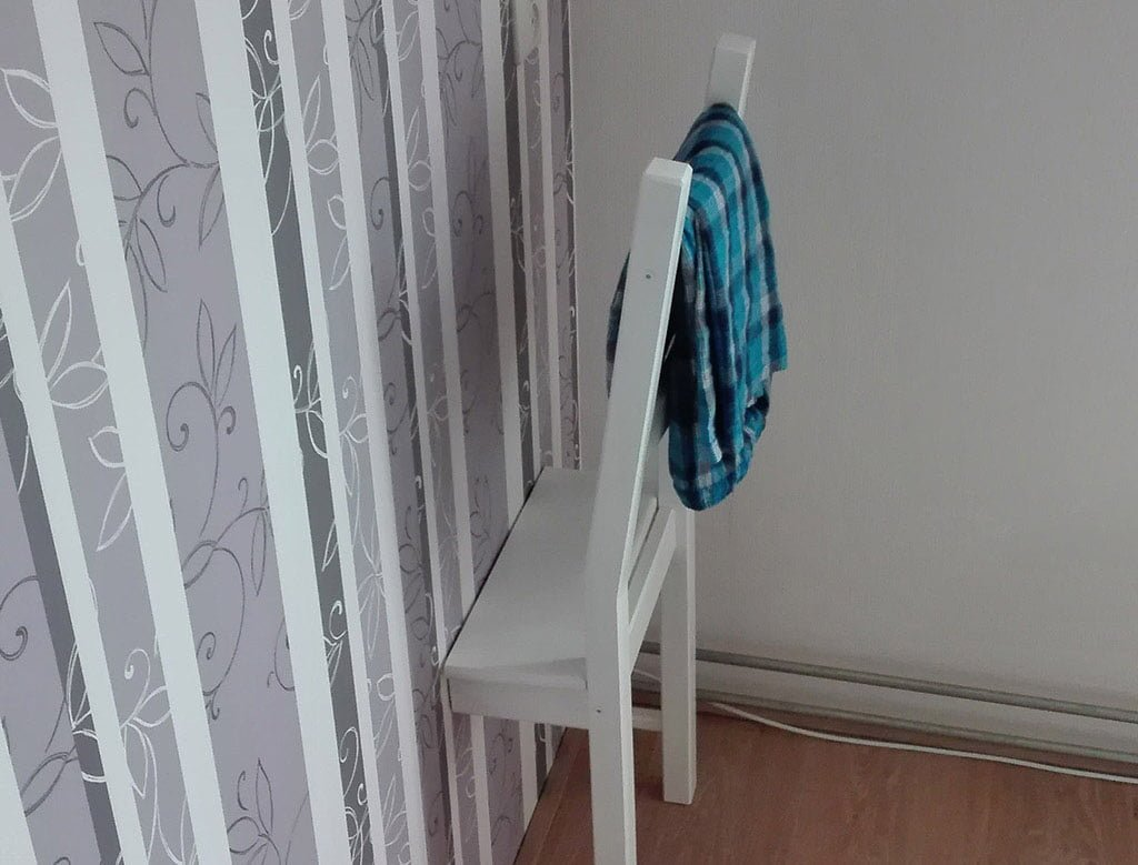 Chair In Wall Dressboy Hack Ikea Hackers Ikea Hackers