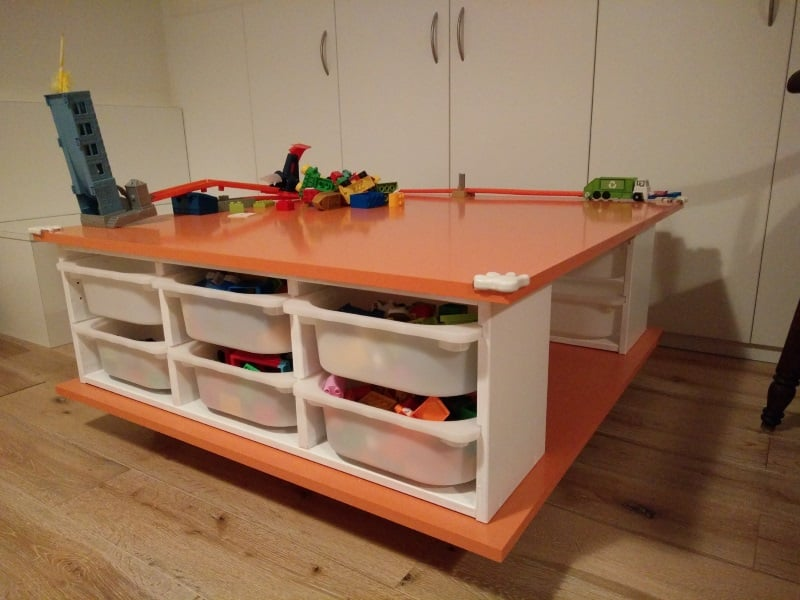 Make a mobile play table ikea hackers for Mobile trofast