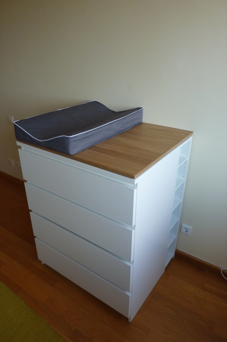 Baby changing table malm gnedby hyttan ikea hackers - Table a langer compact ...