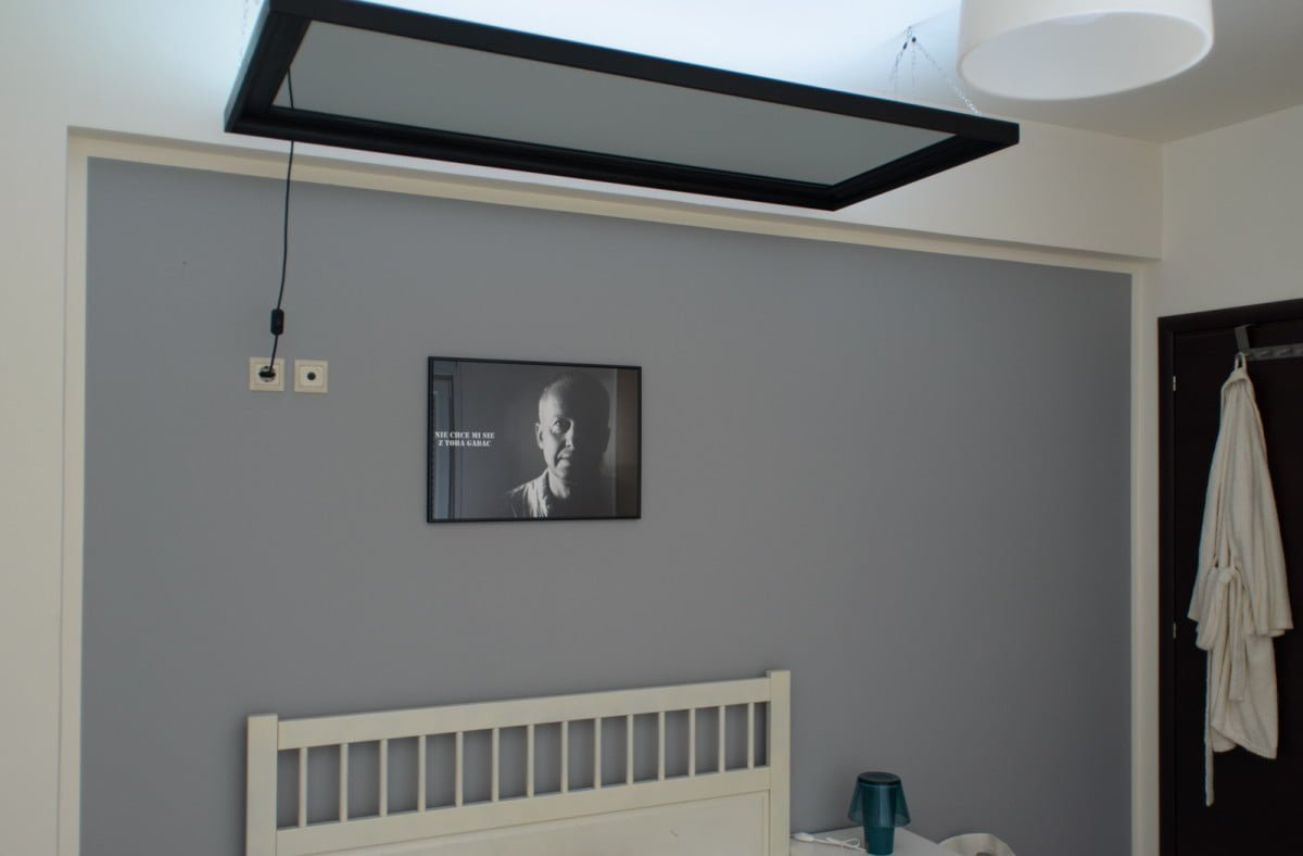How To Hang A HEMNES Mirror Above The Bed IKEA ...