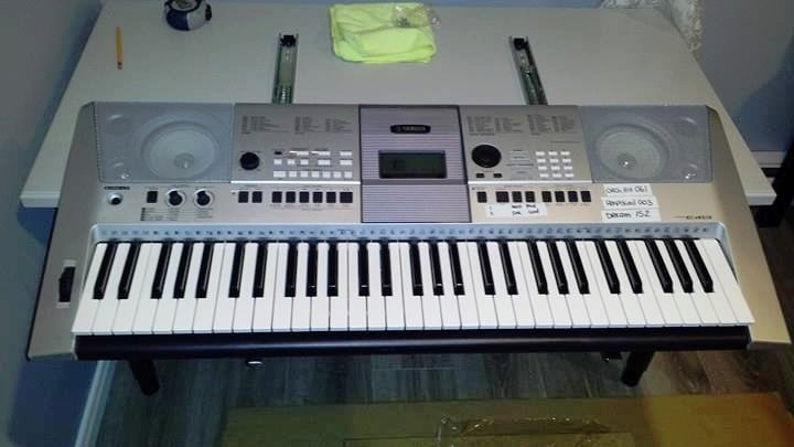 Audio Production Workstation with pull out midi keyboard