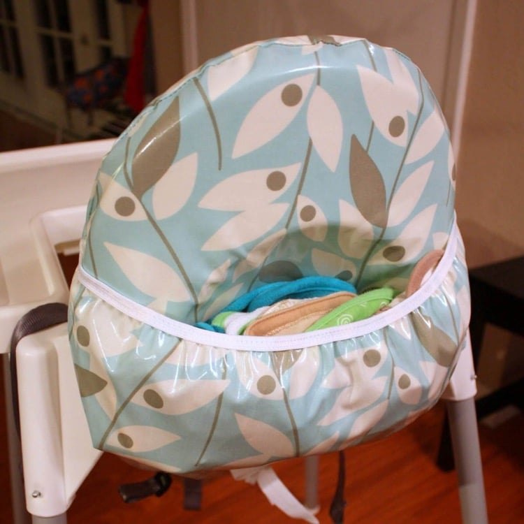 Antilop high chair with bib pocket
