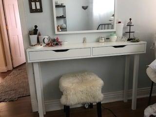 ekby-alex-vanity