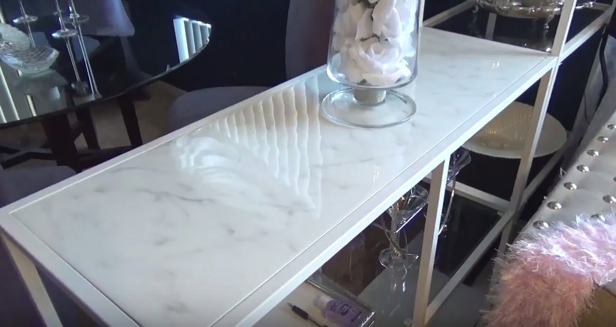 Epoxy resin marble effect table top