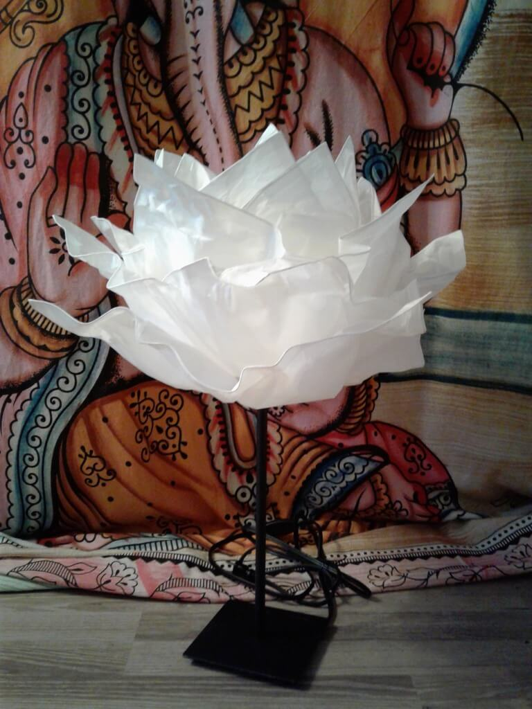 KRUSNING cloud to a whimsy paper flower decor