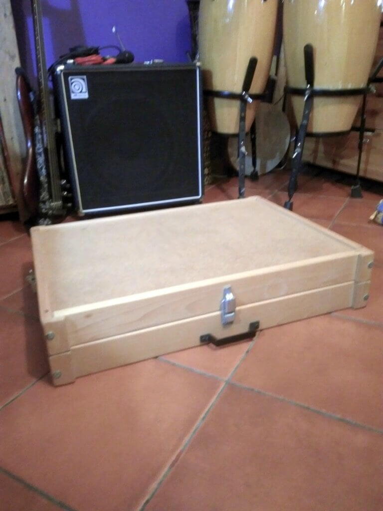 DIY custom pedal board case