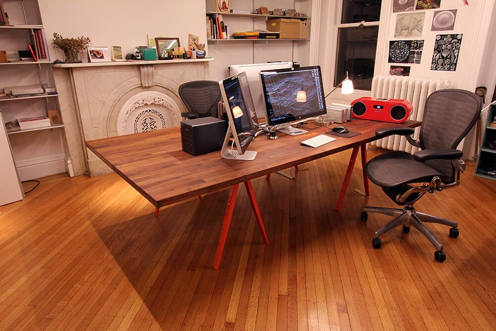 The Beautiful Big Table: A perfect dual workstation