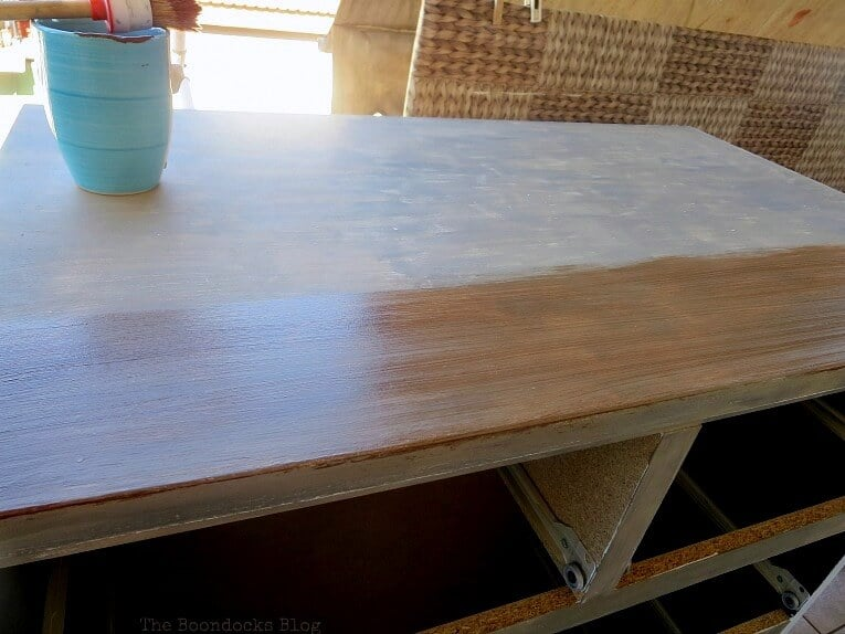 Giving Farmhouse Style to an old IKEA Dresser