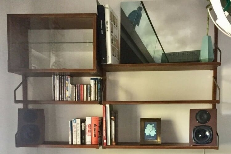 SVALNÄS wall mounted shelves ala the Royal System® - IKEA