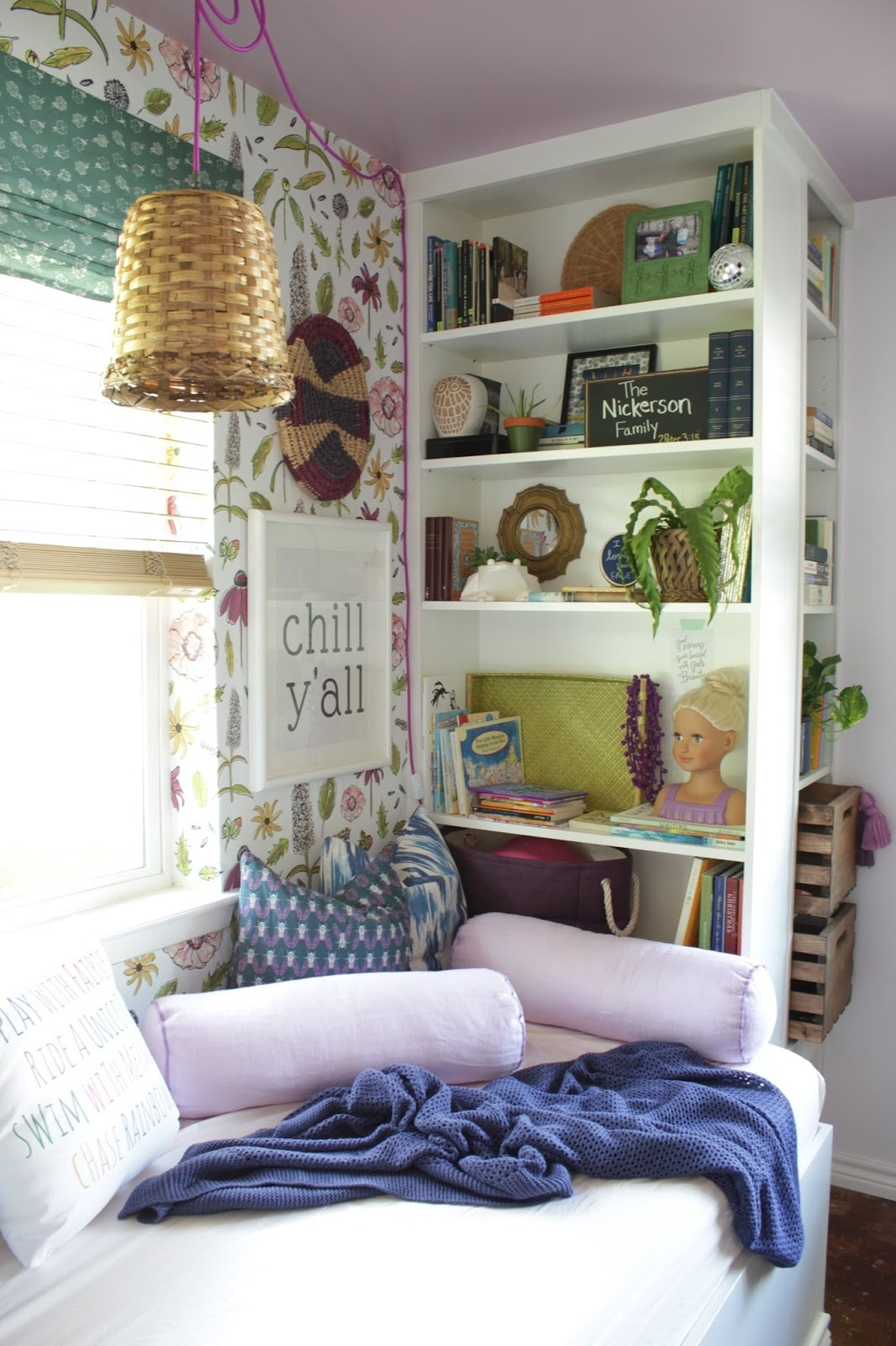 Reading The Nine Of Pentacles: Daybed Reading Nook With IKEA Bookshelves