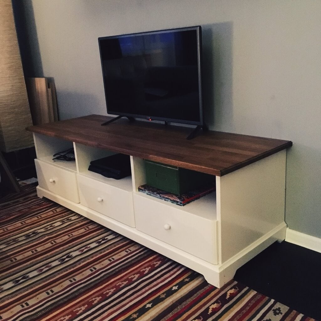 TV Stand gets new look aka get rid of scratches on the bench top