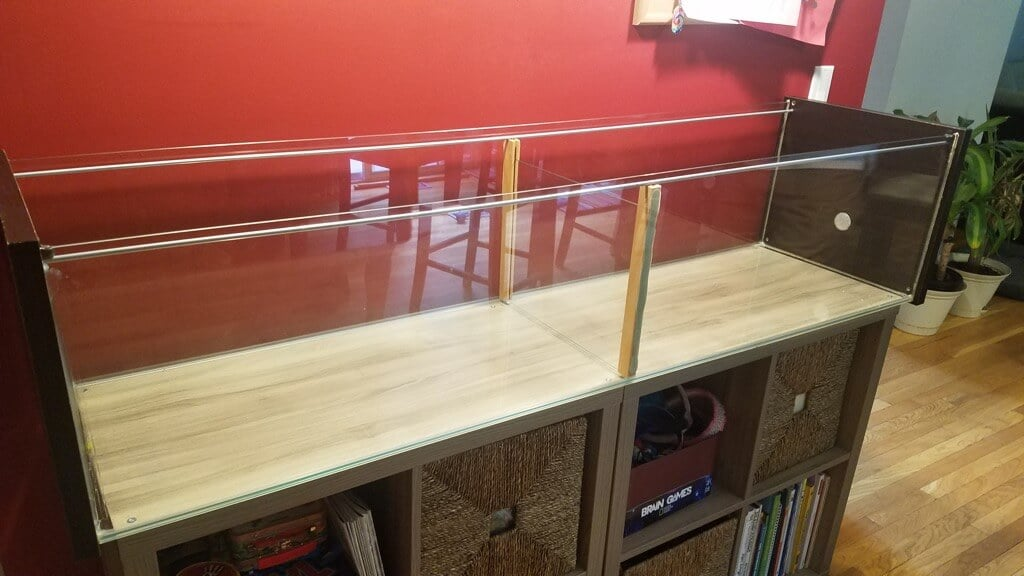 Create a cheap and huge gerbil cage from the IKEA DETOLF glass cabinet