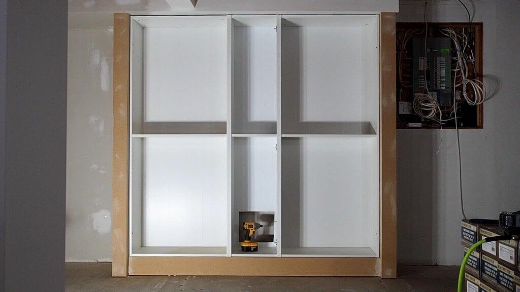 DIY built-in BILLY bookshelves