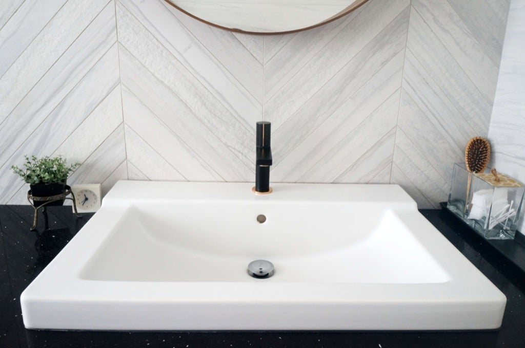 Master Bathroom remodel: with faux marble tiles