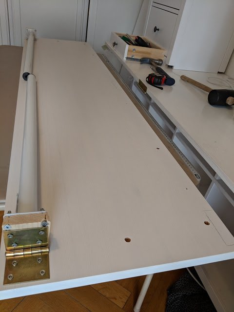 attaching the foldable table to 3d printer workbench