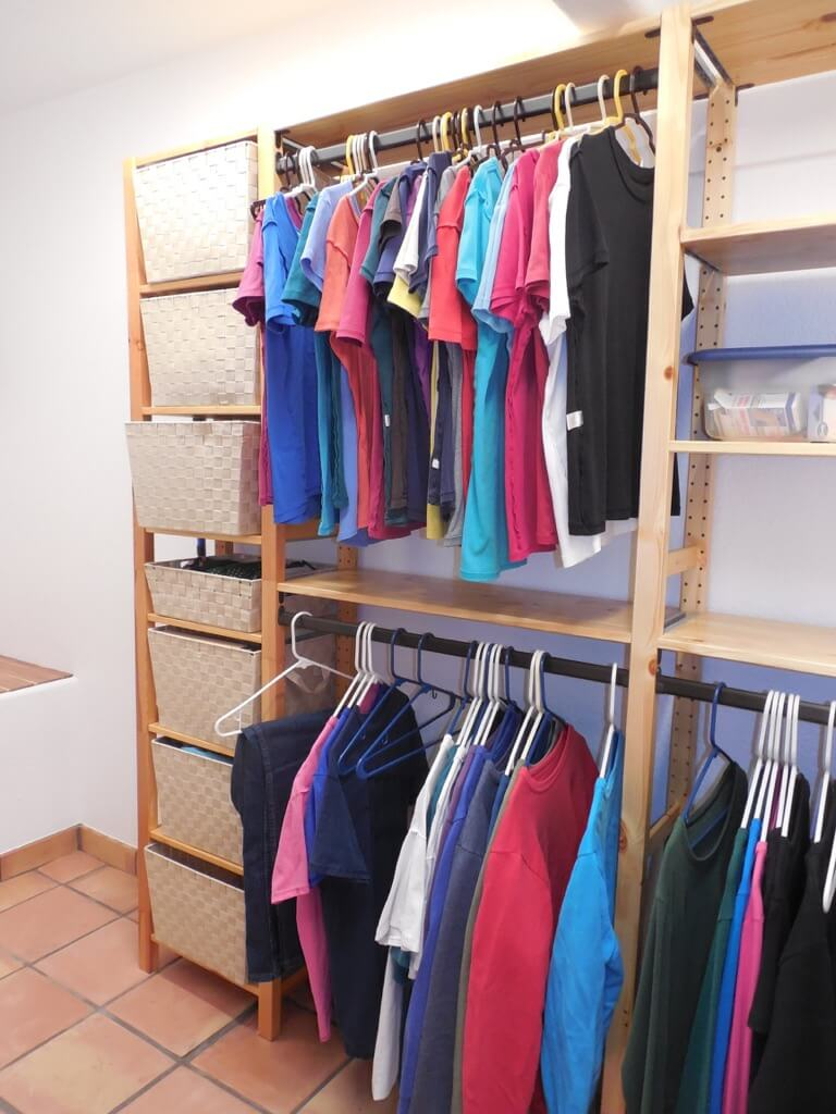 shelving option of reach-in closets