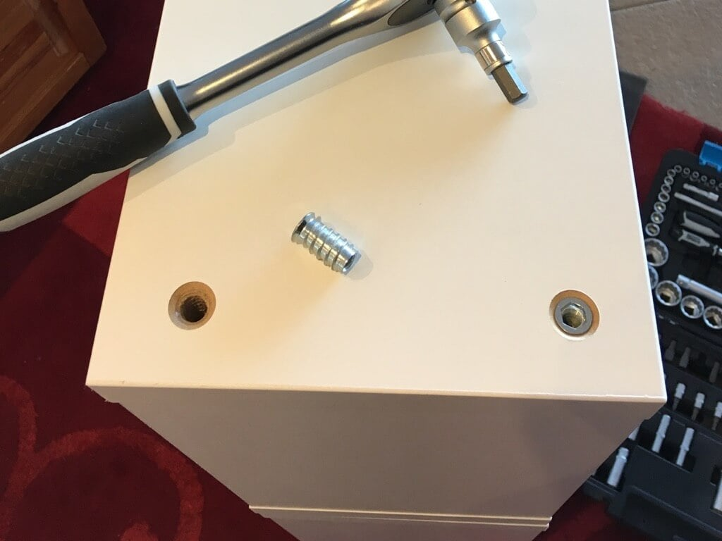 remove leg hardware
