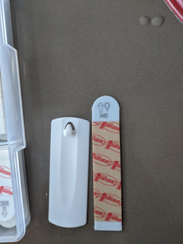 3M sawtooth picture hanger