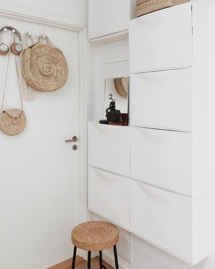 TRONES wall mounted shoe cabinet - entrance
