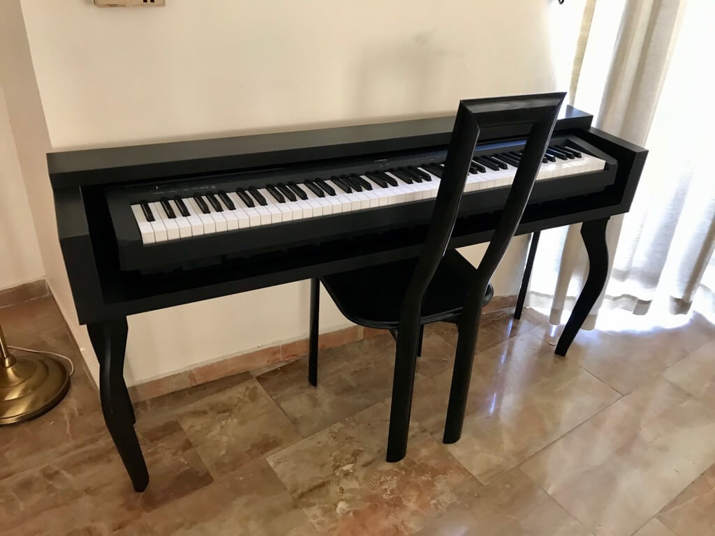 keyboard stand that looks like piano