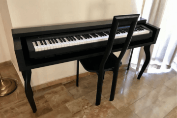 keyboard stand looks like piano